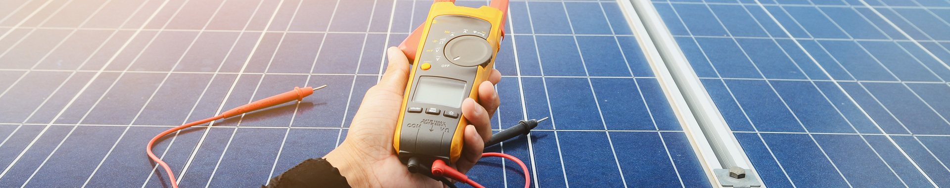 Solar panel checkup for an optimal efficiency